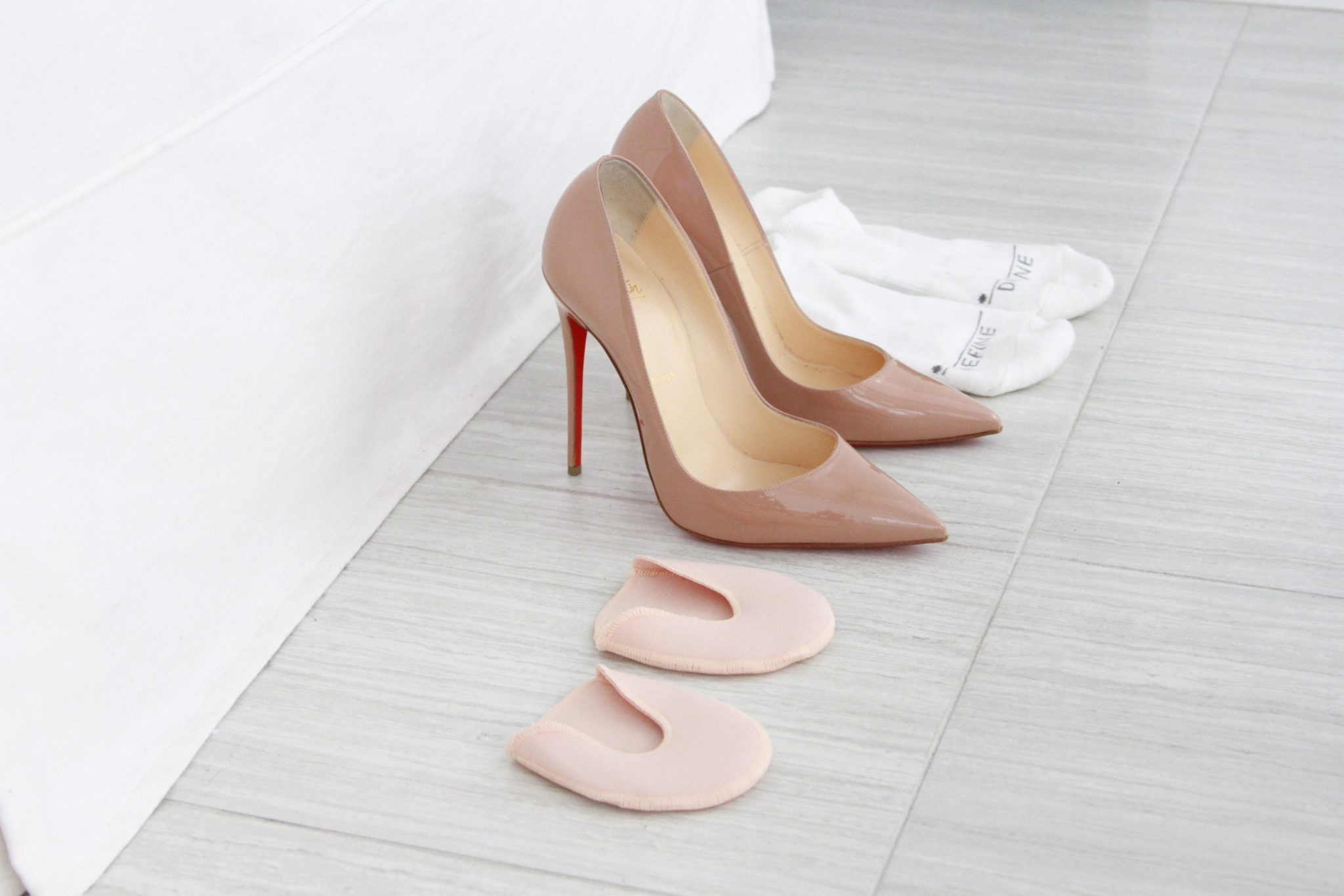 a14c57f33 How To Stretch Louboutin Heels Out and Make Those So Kate's Less ...